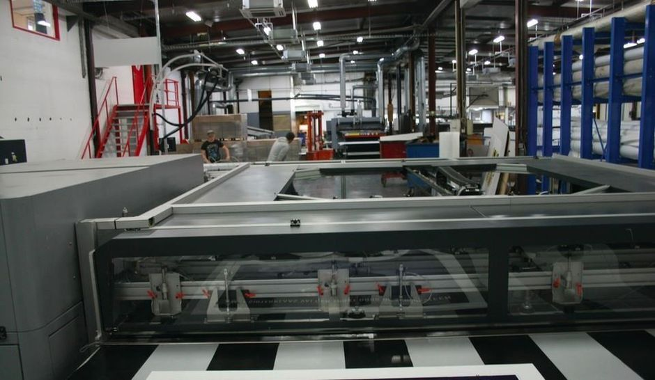 Enchérir sur les machines d'impression et fabrication de supports grand format